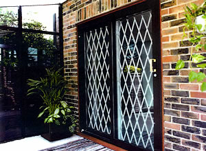 Retractable Gates